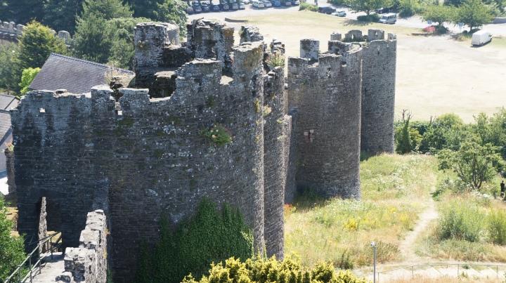 O lado leste da Muralha de Conwy Castell